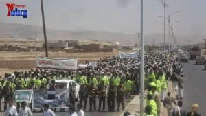 الالاف يشيعون 6 من شهداء مجزرة الضبر بعمران التي ارتكبتها قوات القشيبي بحق مسيرة سلمية (12)