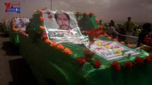 الالاف يشيعون 6 من شهداء مجزرة الضبر بعمران التي ارتكبتها قوات القشيبي بحق مسيرة سلمية (33)