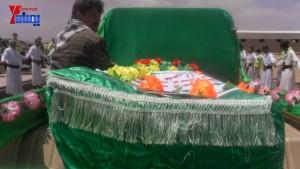 الالاف يشيعون 6 من شهداء مجزرة الضبر بعمران التي ارتكبتها قوات القشيبي بحق مسيرة سلمية (41)