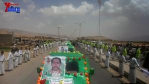 الالاف يشيعون 6 من شهداء مجزرة الضبر بعمران التي ارتكبتها قوات القشيبي بحق مسيرة سلمية (42)