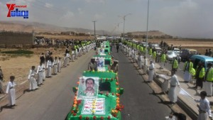 الالاف يشيعون 6 من شهداء مجزرة الضبر بعمران التي ارتكبتها قوات القشيبي بحق مسيرة سلمية (43)