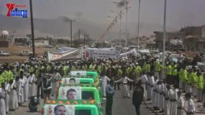 الالاف يشيعون 6 من شهداء مجزرة الضبر بعمران التي ارتكبتها قوات القشيبي بحق مسيرة سلمية (44)