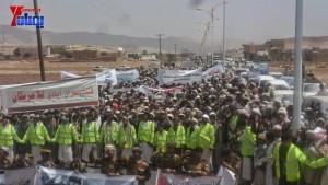 الالاف يشيعون 6 من شهداء مجزرة الضبر بعمران التي ارتكبتها قوات القشيبي بحق مسيرة سلمية (48)