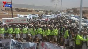 الالاف يشيعون 6 من شهداء مجزرة الضبر بعمران التي ارتكبتها قوات القشيبي بحق مسيرة سلمية (49)