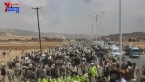 الالاف يشيعون 6 من شهداء مجزرة الضبر بعمران التي ارتكبتها قوات القشيبي بحق مسيرة سلمية (51)