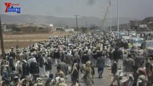 الالاف يشيعون 6 من شهداء مجزرة الضبر بعمران التي ارتكبتها قوات القشيبي بحق مسيرة سلمية (53)