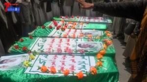 الالاف يشيعون 6 من شهداء مجزرة الضبر بعمران التي ارتكبتها قوات القشيبي بحق مسيرة سلمية (57)