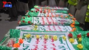 الالاف يشيعون 6 من شهداء مجزرة الضبر بعمران التي ارتكبتها قوات القشيبي بحق مسيرة سلمية (58)