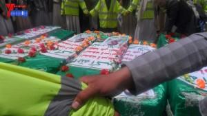الالاف يشيعون 6 من شهداء مجزرة الضبر بعمران التي ارتكبتها قوات القشيبي بحق مسيرة سلمية (59)