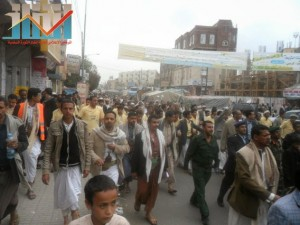 مسيرة حاشدة بصنعاء تطالب بإسقاط رموز الفساد وتأييدا للجيش في حربه ضد القاعدة (8)