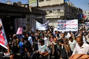 تعز تنتفض في مسيرة تضامنية منددة بمجازر الجيش في الضالع (19)