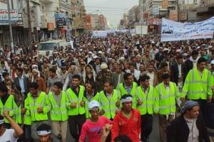 حملة 11 فبراير تخرج مسيرة حاشدة من ساحة التغيير بصنعاء تطالب باقالة و حاسبة حكومة الوفاق (100)