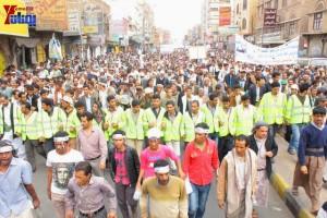 حملة 11 فبراير تخرج مسيرة حاشدة من ساحة التغيير بصنعاء تطالب باقالة و حاسبة حكومة الوفاق (114)