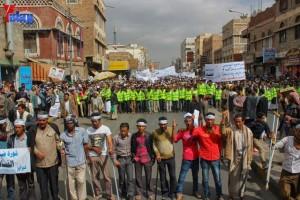 حملة 11 فبراير تخرج مسيرة حاشدة من ساحة التغيير بصنعاء تطالب باقالة و حاسبة حكومة الوفاق (124)