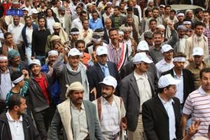حملة 11 فبراير تخرج مسيرة حاشدة من ساحة التغيير بصنعاء تطالب باقالة و حاسبة حكومة الوفاق (200)