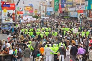 حملة 11 فبراير تخرج مسيرة حاشدة من ساحة التغيير بصنعاء تطالب باقالة و حاسبة حكومة الوفاق (266)