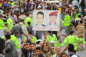 حملة 11 فبراير تخرج مسيرة حاشدة من ساحة التغيير بصنعاء تطالب باقالة و حاسبة حكومة الوفاق (289)