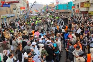 حملة 11 فبراير تخرج مسيرة حاشدة من ساحة التغيير بصنعاء تطالب باقالة و حاسبة حكومة الوفاق (303)
