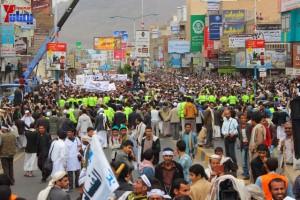 حملة 11 فبراير تخرج مسيرة حاشدة من ساحة التغيير بصنعاء تطالب باقالة و حاسبة حكومة الوفاق (315)