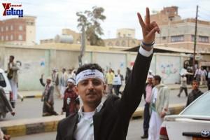 حملة 11 فبراير تخرج مسيرة حاشدة من ساحة التغيير بصنعاء تطالب باقالة و حاسبة حكومة الوفاق (340)