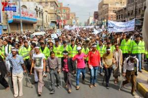 حملة 11 فبراير تخرج مسيرة حاشدة من ساحة التغيير بصنعاء تطالب باقالة و حاسبة حكومة الوفاق (83)