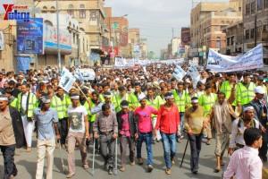 حملة 11 فبراير تخرج مسيرة حاشدة من ساحة التغيير بصنعاء تطالب باقالة و حاسبة حكومة الوفاق (86)
