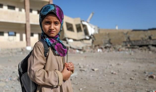 طالبة دمرت مدرستها